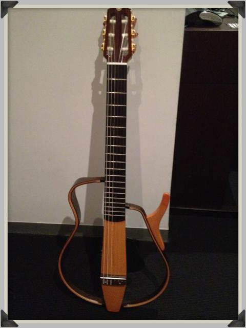 Travel_guitar